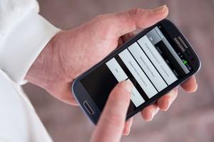Mit CATSbauzeit, der digitalen Baustellenüberwachung, Zeit & Tätigkeiten in ein Smartphone erfassen.