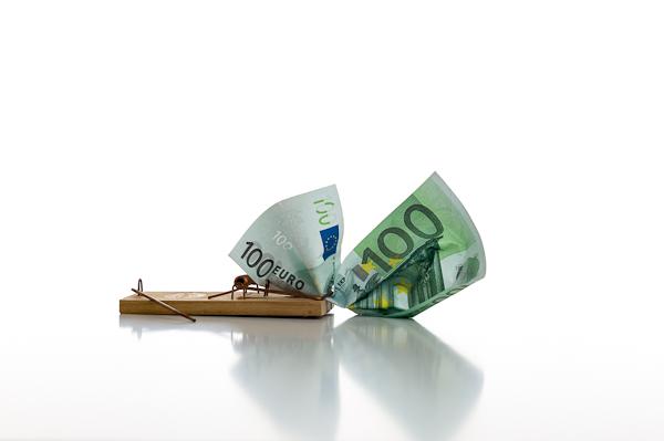 """Zahlungsfalle """"Künstlersozialabgabe"""": Eigenwerbung kann auch für Handwerksbetriebe wie zum Beispiel Malerbetriebe und Stuckateurbetriebe teuer werden."""