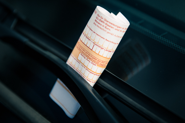 Falsch geparkt? Strafzettel? Zahlt der Chef die Knöllchen, ist das Arbeitslohn!