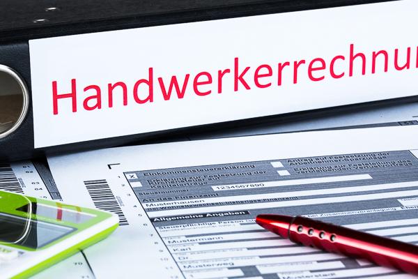 Handwerkerrechnung: Rechtsanspruch des Kunden auf Ausweis des Lohnanteils