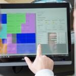Chefentlastung pur: Die digitale Plantafel sagt dem Mitarbeiter, wann er auf der Baustelle Gas geben muss