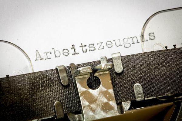 Arbeitgeber aufgepasst: 5 Formfehler, die Sie beim Arbeitszeugnis vermeiden sollten