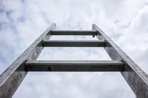 Maler aufgepasst: Neue Leiternorm DIN EN 131-1 für mehr Standsicherheit