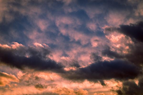 Gewitterwolken ziehen auf - ifo Institut senkt Konjunkturprognose